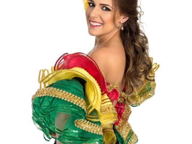 Stephanie Mendoza Vargas - Reina del Carnaval de Barranquilla 2017