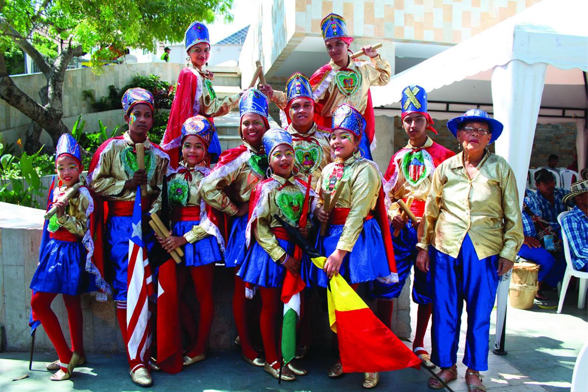 Festival de Danzas en honor a Ángela Pedroza por 80 años del Paloteo Mixto