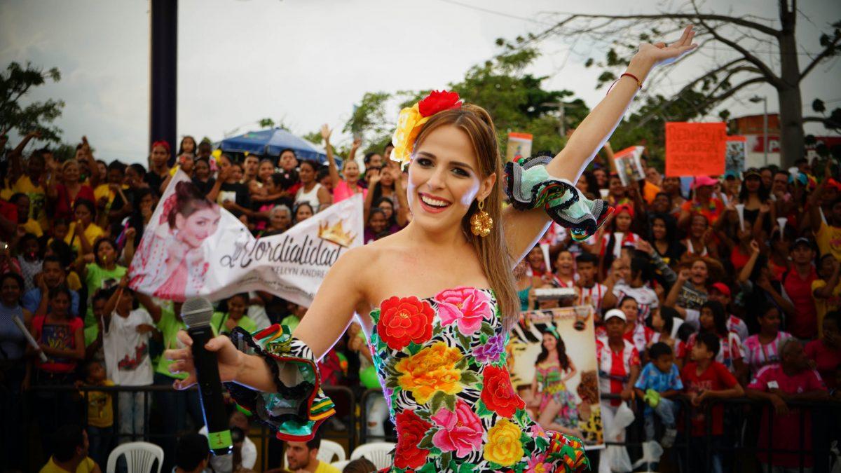 La reina Stephanie Mendoza Vargas lleva la alegría del Carnaval a Miami