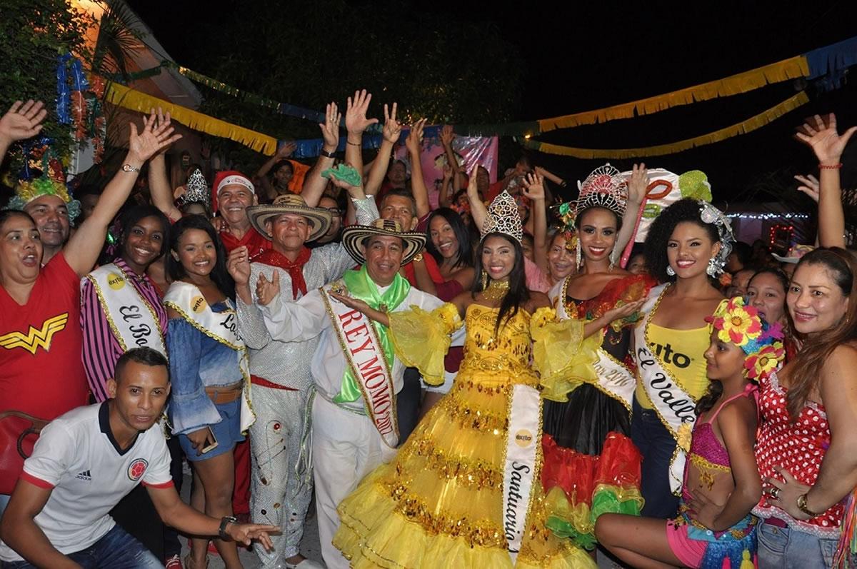 Las Reinas Populares se coronan en medio de grandes espectáculos carnavaleros