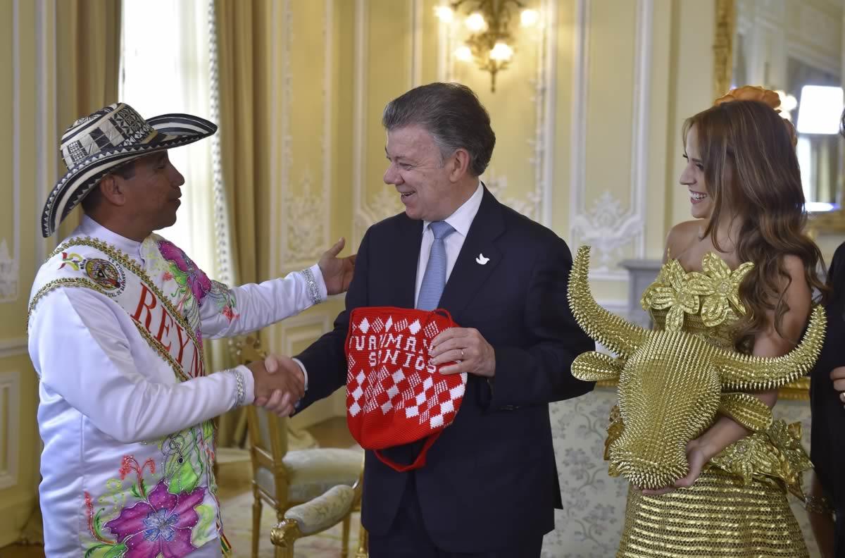 Los Reyes del Carnaval invitaron a Juan Manuel Santos a la fiesta de la paz y la alegría