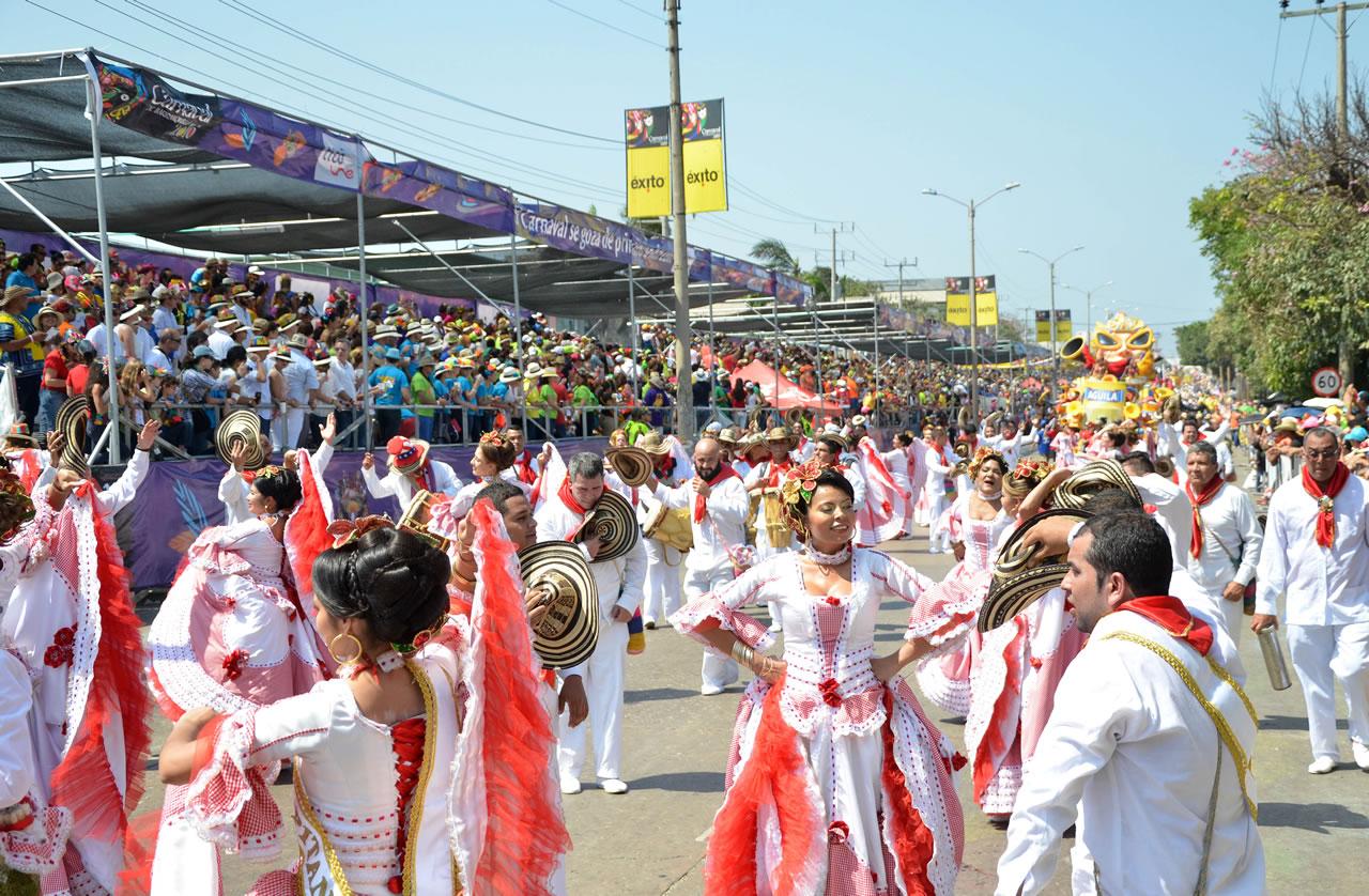 Batalla de Flores homenaje a las fiestas de Colombia y el mundo
