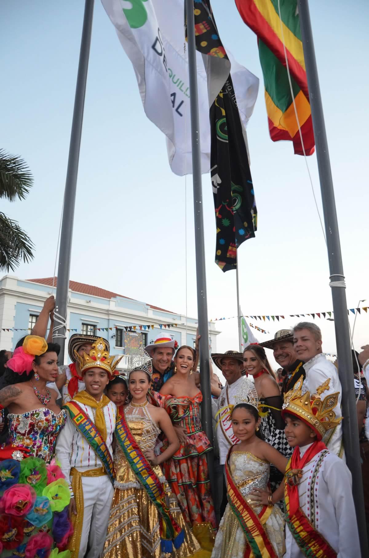 Izada de bandera del Carnaval 2017, una fiesta para todos