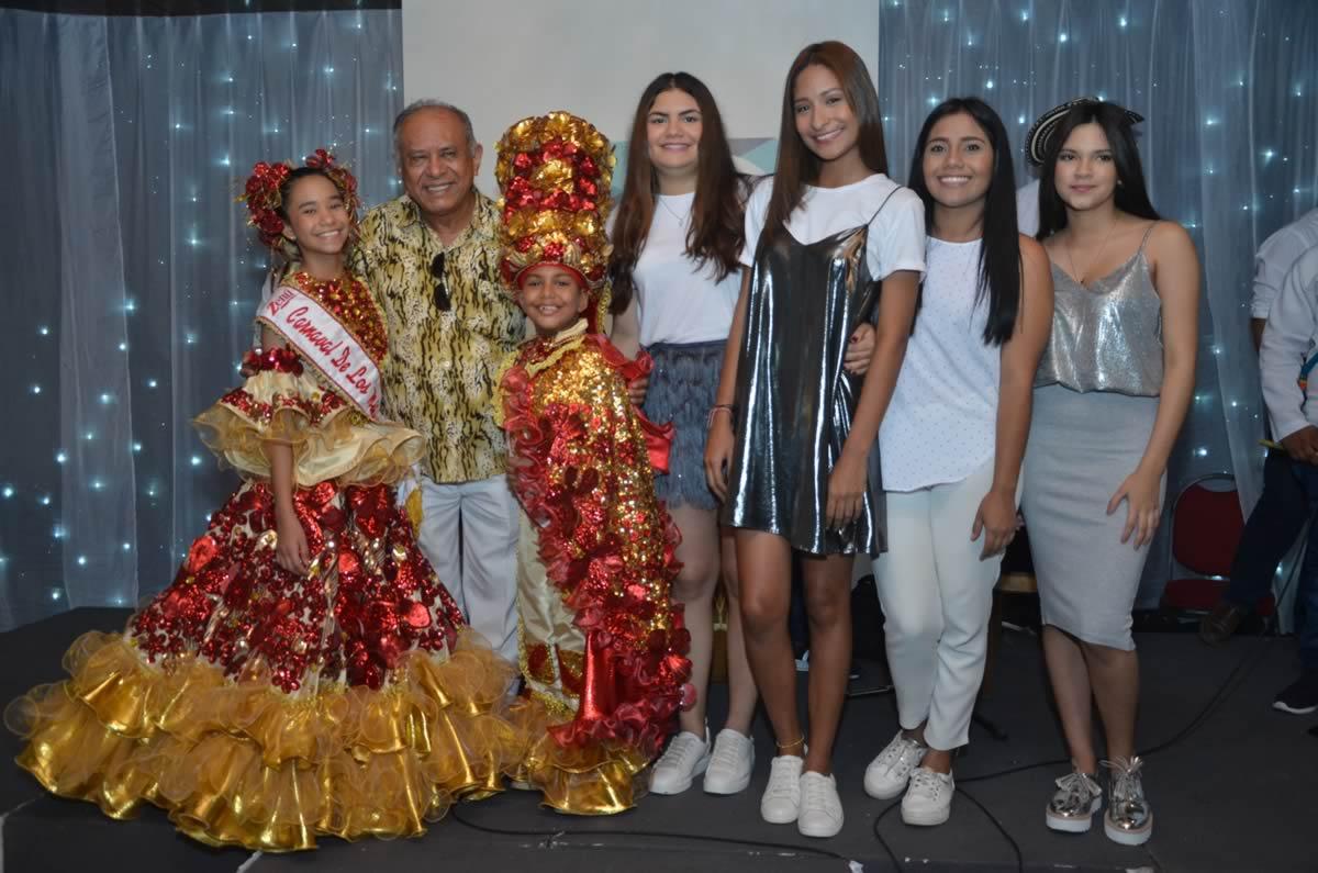 Los Reyes del Carnaval de los Niños rinden homenaje al Congo y la Cumbia con su vestuario