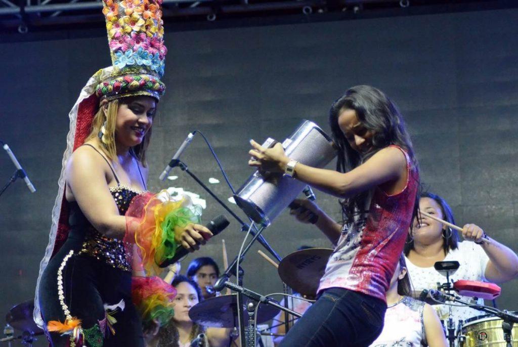 Categoría Vallenato Evelyn la voz dulce del vallenato