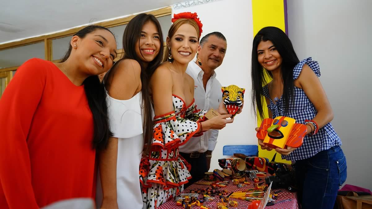 Con exposición artesanal, el Palacio Real de Stephanie Mendoza abre ...