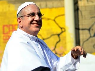El barranquillero Mario Tarud, de 53 años, personifica al Papa Francisco