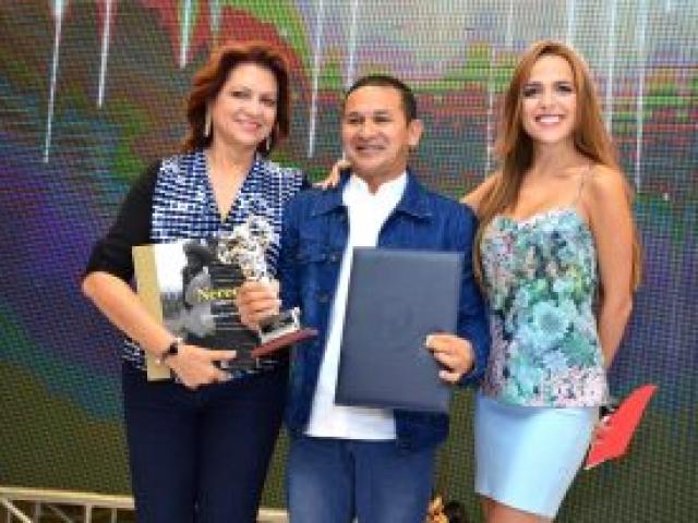Categoría Radio: Fausto Pérez, de Voces 89.4 Fm.