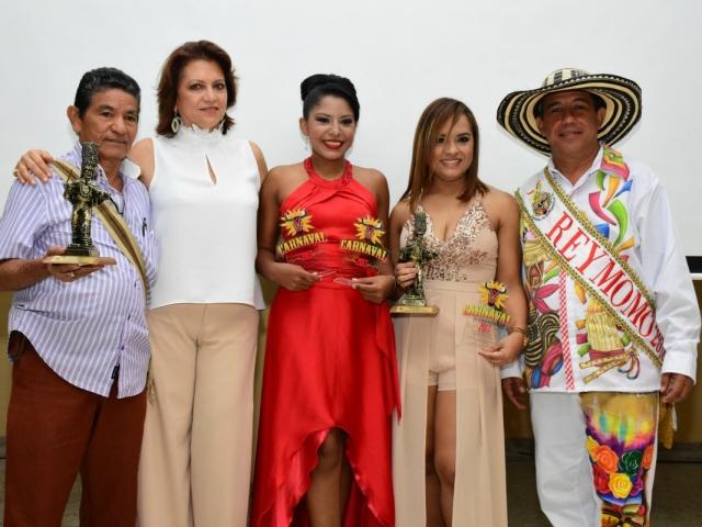 Nuestra directora Carla Celia y el Rey Momo Germán Álvarez estuvieron presentes en la gala de los mejores.