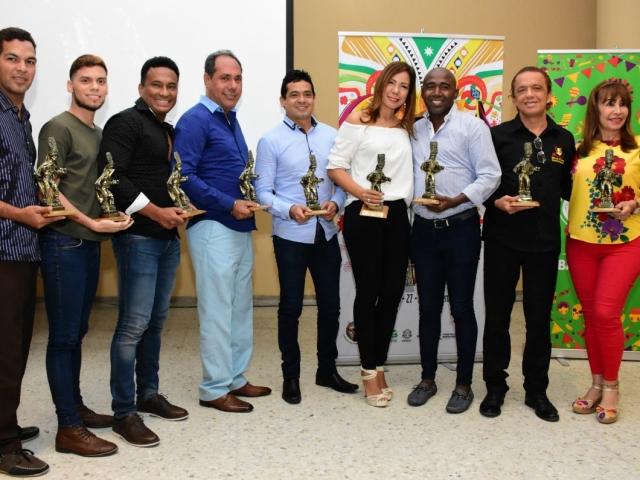 Grupos ganadores en modalidad Comparsa de Fantasía.