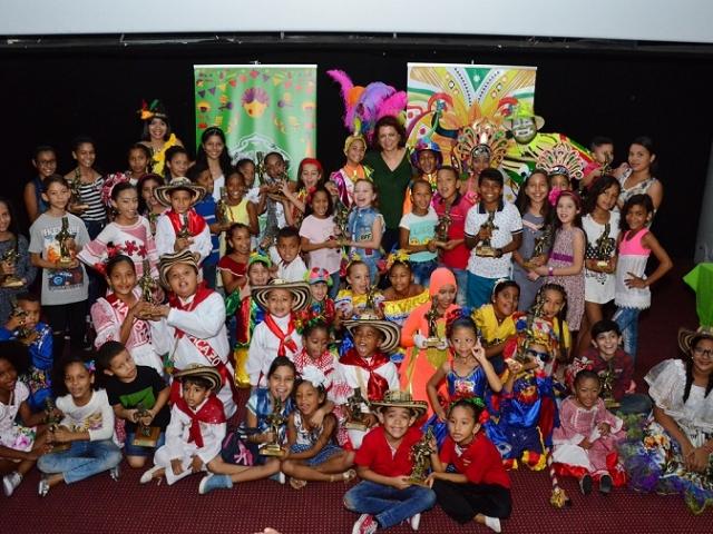 GRUPO INFANTILES DE GANADORES DE CONGO DE ORO