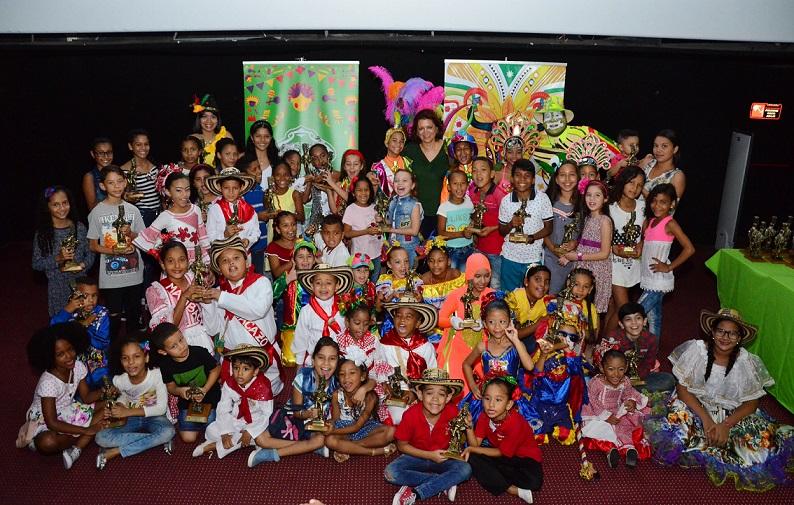 Con una mañana de película, grupos infantiles del Carnaval recibieron Congo de Oro