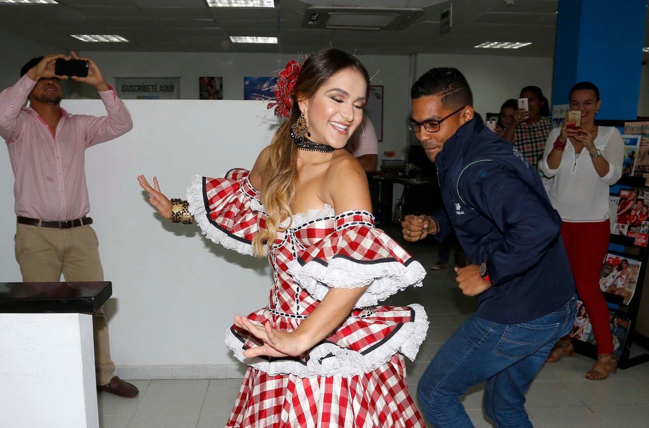La Reina Valeria Abuchaibe se tomó los medios de comunicación con su alegría carnavalera
