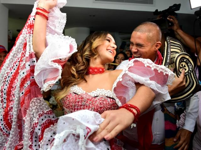 La Reina del Carnaval 2018, Valeria Abuchaibe Rosales, presidirá la muestra en el Aeropuerto Rafael Núñez.