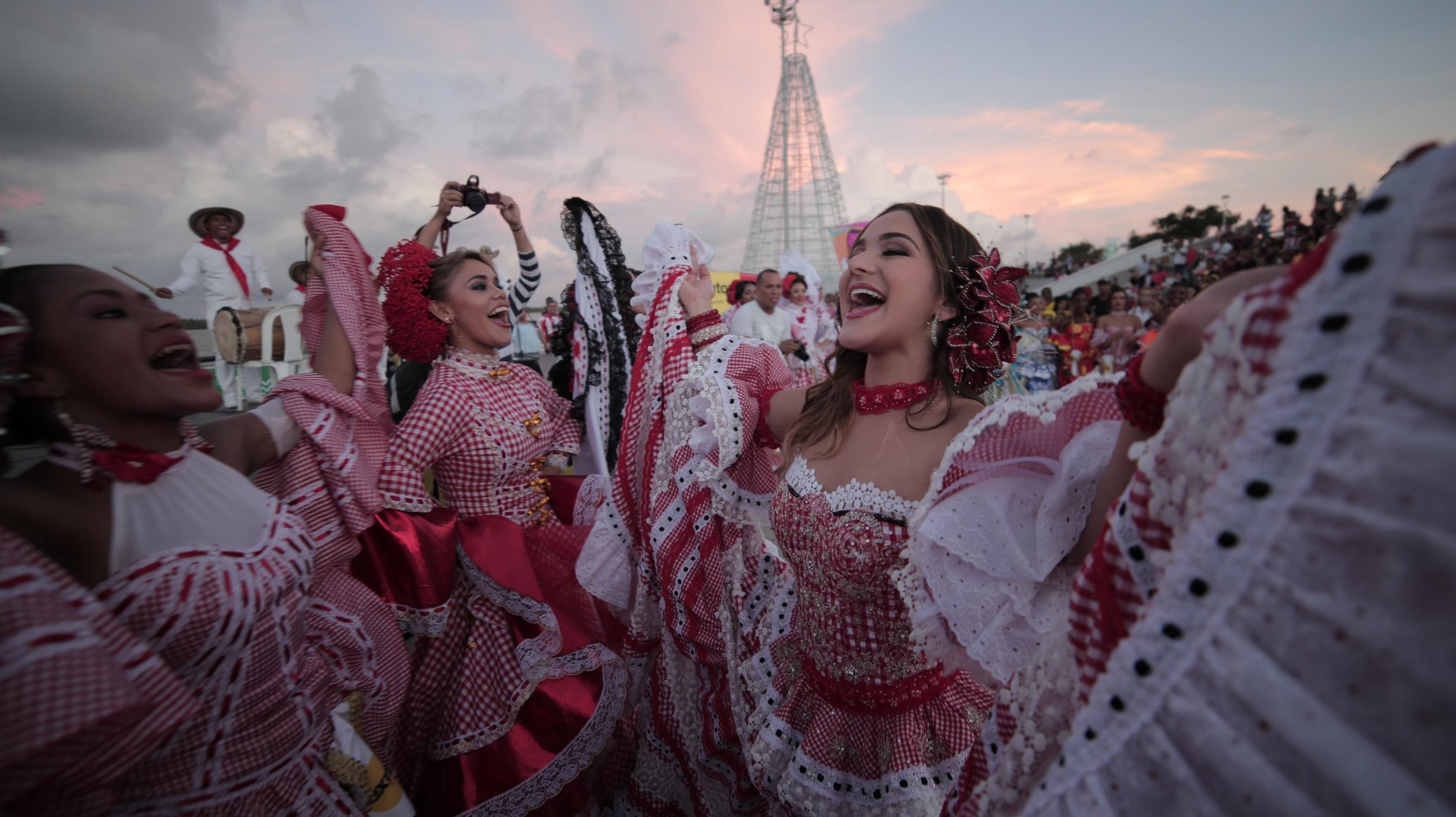 Valeria presenta su página web para celebrar los 100 años de la Reina del Carnaval
