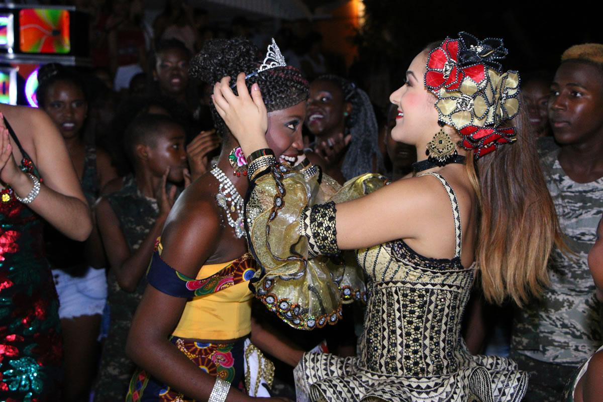 Este viernes sigue la fiesta en los barrios con las reinas populares