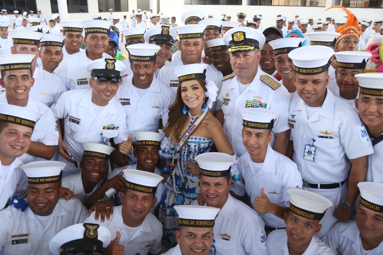 Armada Nacional proclama a Valeria como la Soberana de los Marinos