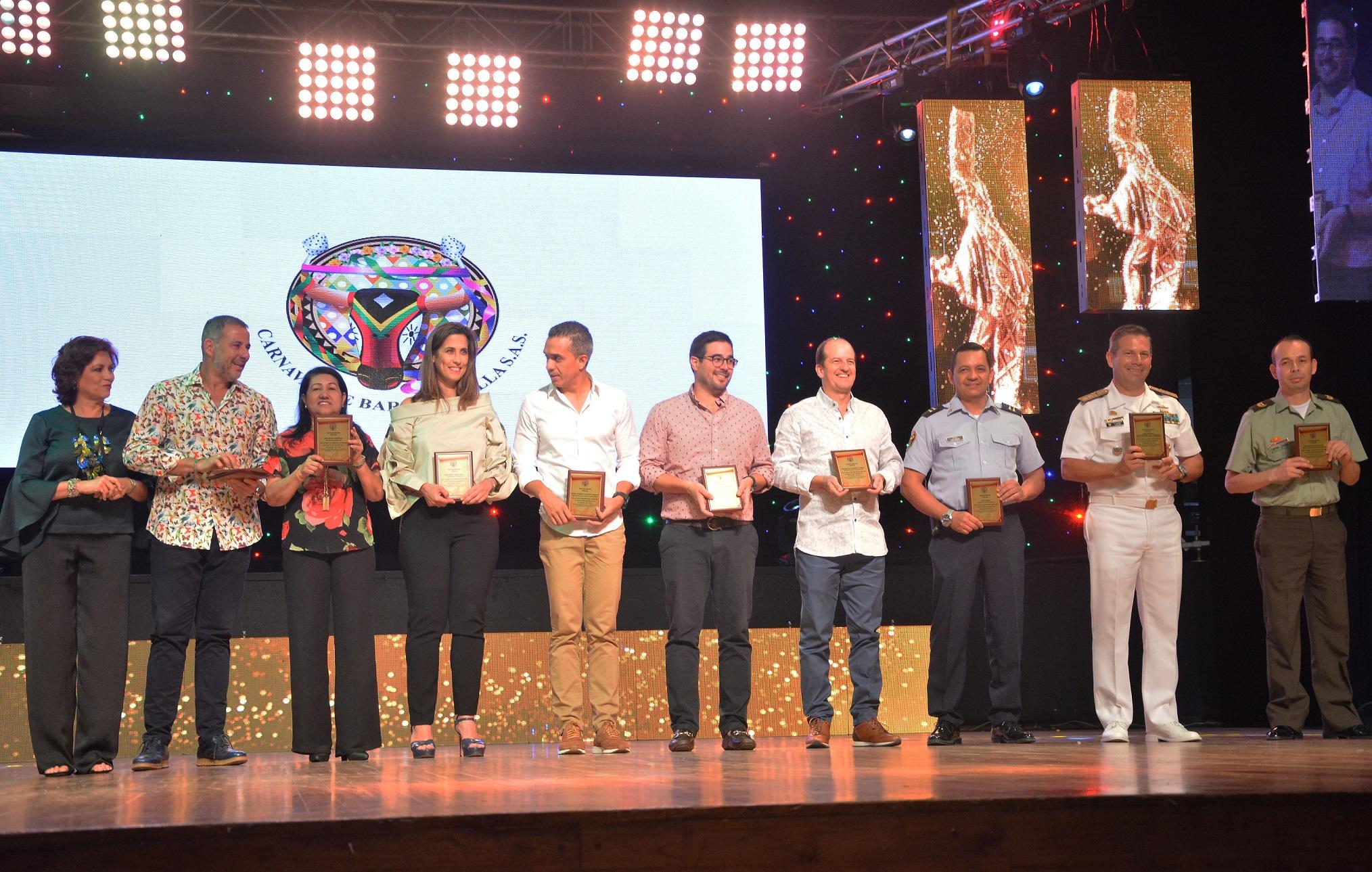 Reconocimiento al equipo de la Alcaldía de Barranquilla y autoridades.