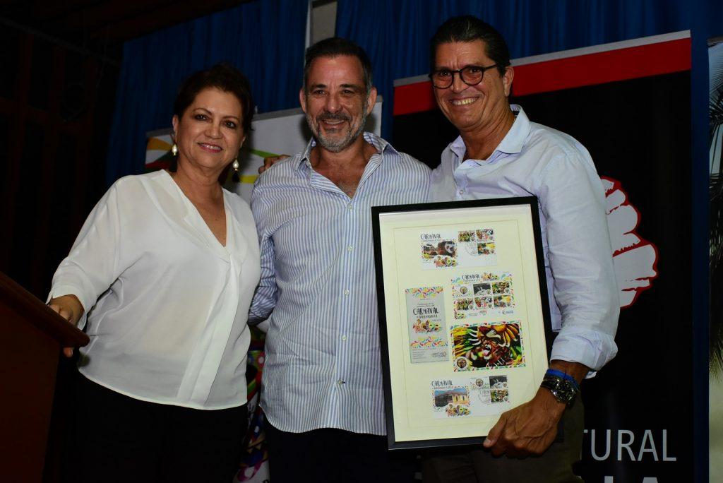 Carla Celia, directora Carnaval de Barranquilla; Juan José Jaramillo, Secretario de Cultura, Patrimonio y Turismo y Antonio Celia, presidente de Promigas.