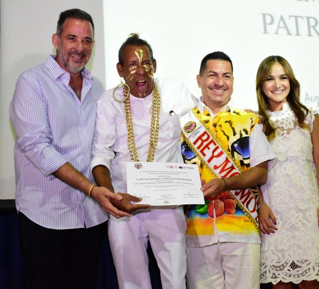 Juan José Jaramillo, Carlos Cervantes 'El Mohicano Dorado', Ricardo Sierra Rey Momo 2018 y Valeria Abuchaibe Rosales, Reina del Carnaval 2018.