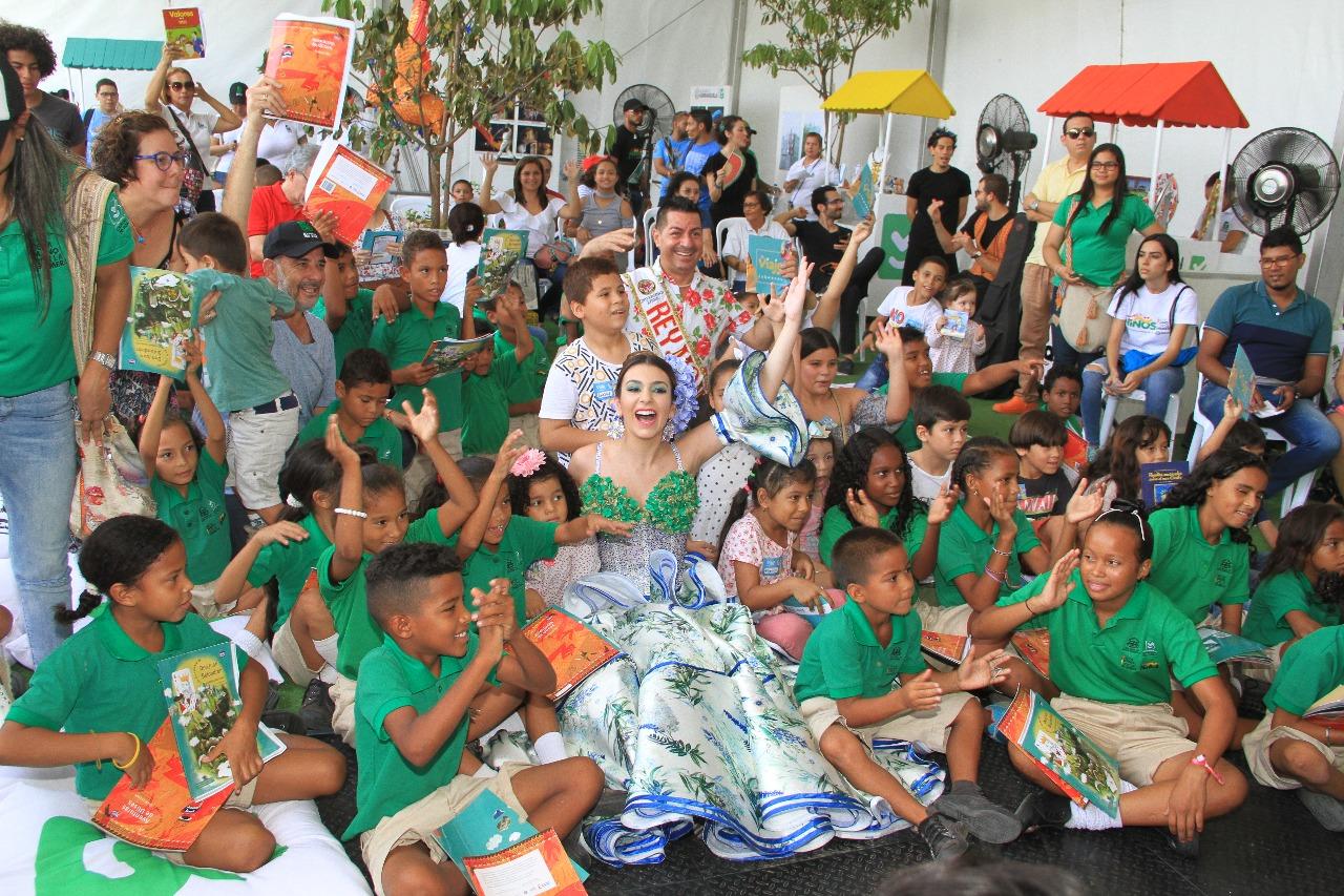 'El Viaje del Carnaval' hizo escala en la Feria Internacional del Libro 'Libraq'