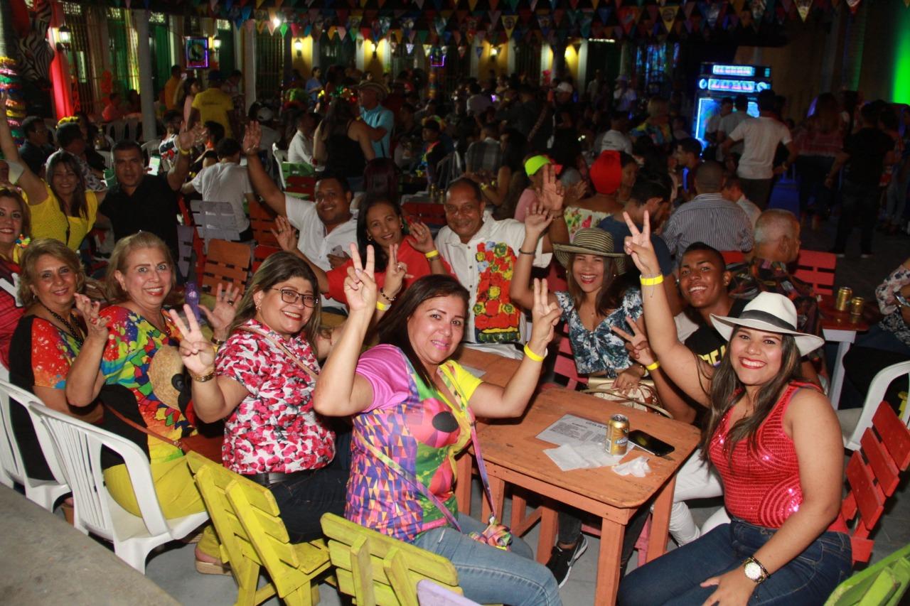 Verbena 'La Gozadera' adelanta la celebración de las cuatro fiestas