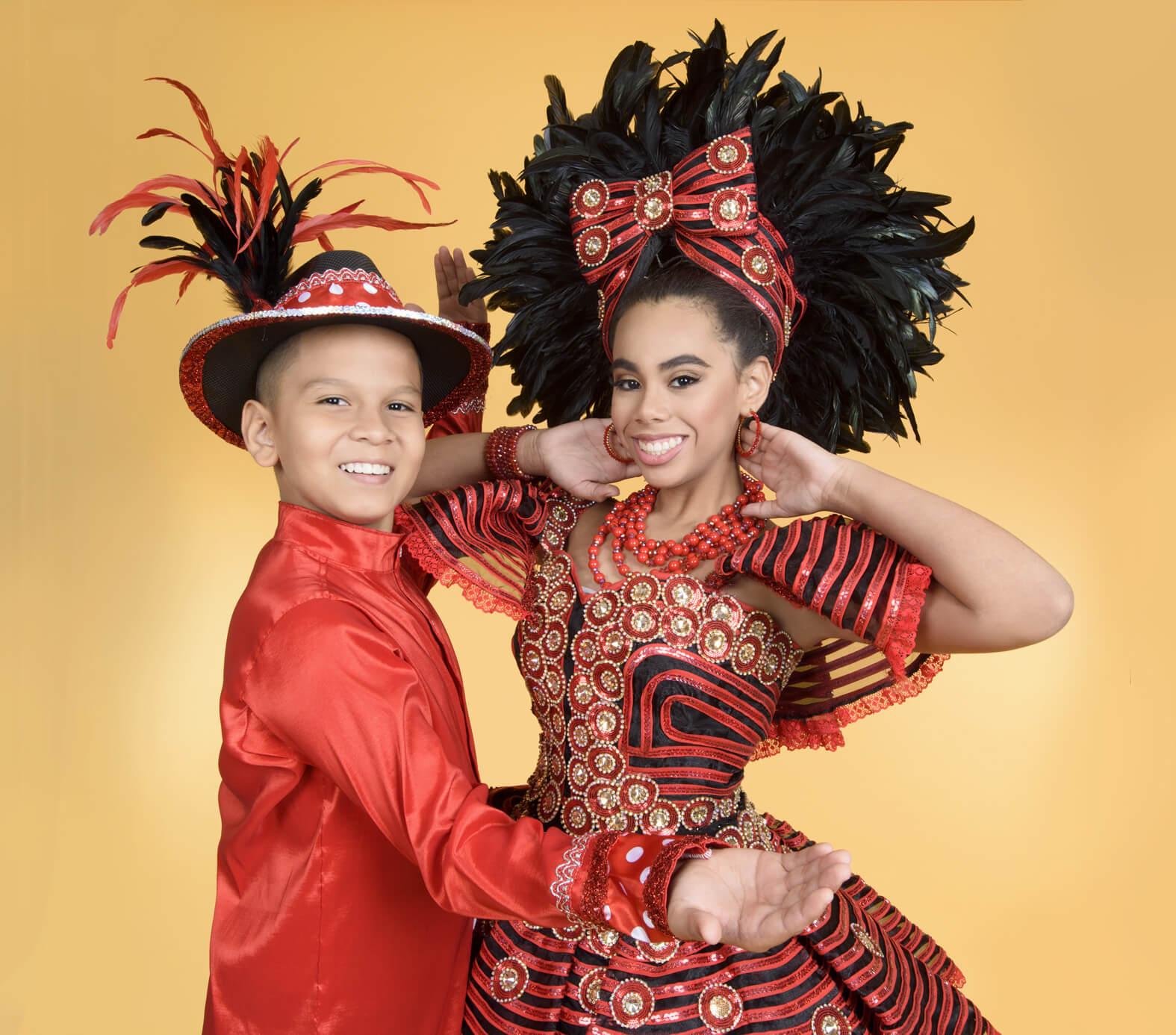Isabella y Cesar llevan el Carnaval de los Niños a Houston, para promover la tradición