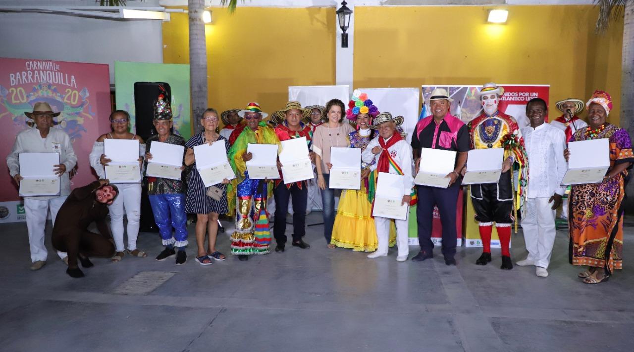 Exaltación, exposición y muestra folclórica con portadores de la tradición