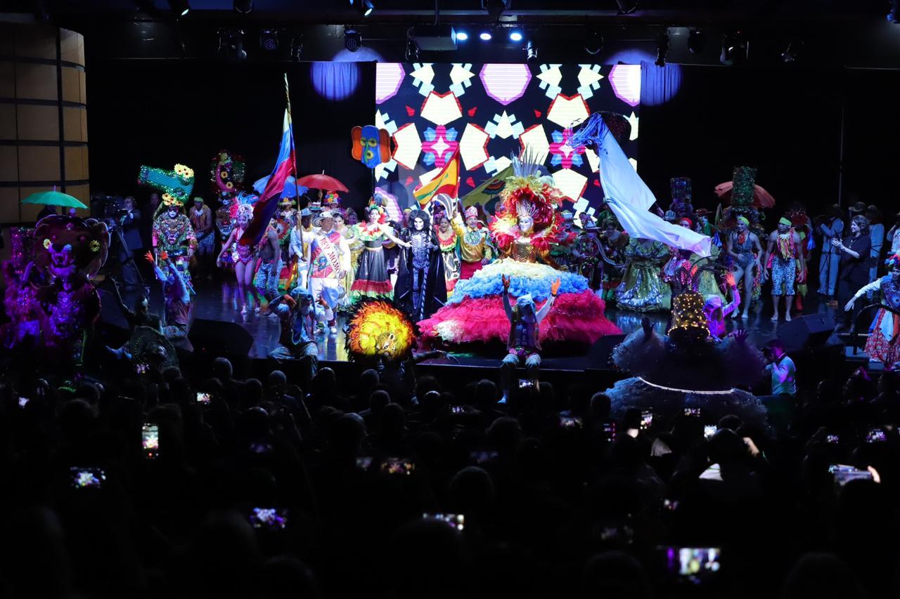 Carnaval de Barranquilla ovacionado por miembros de la cultura del mundo