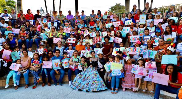 """Reyes del Carnaval de los Niños ponen color a la Fiesta en """"Pintando el Carnaval"""""""
