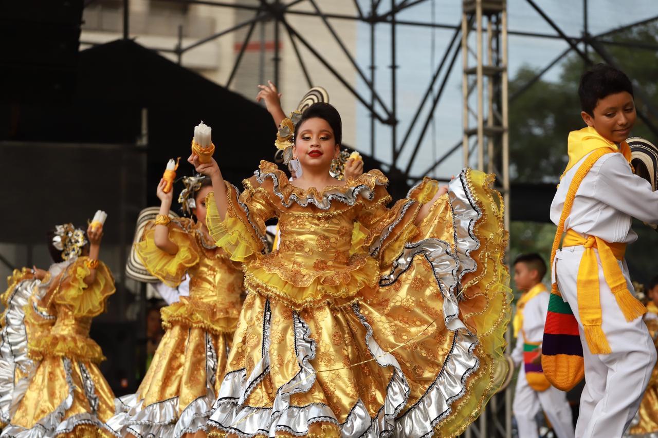 La tradición y alegría presentes en el Semillero del Carnaval